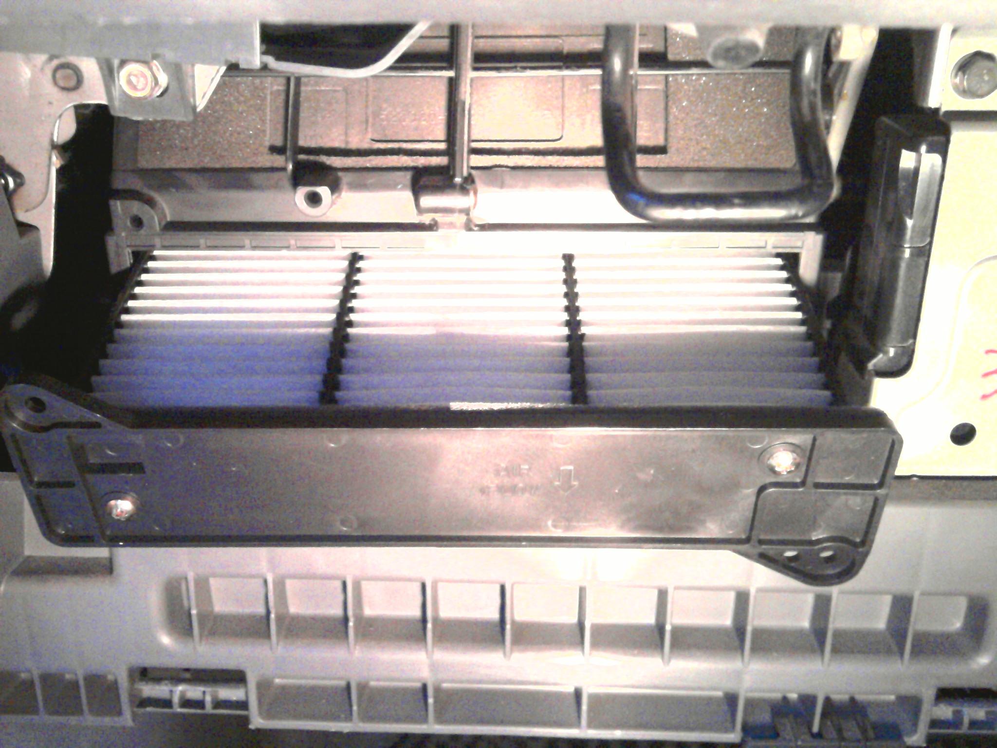 Мицубиси лансер 10 замена салонного фильтра своими руками