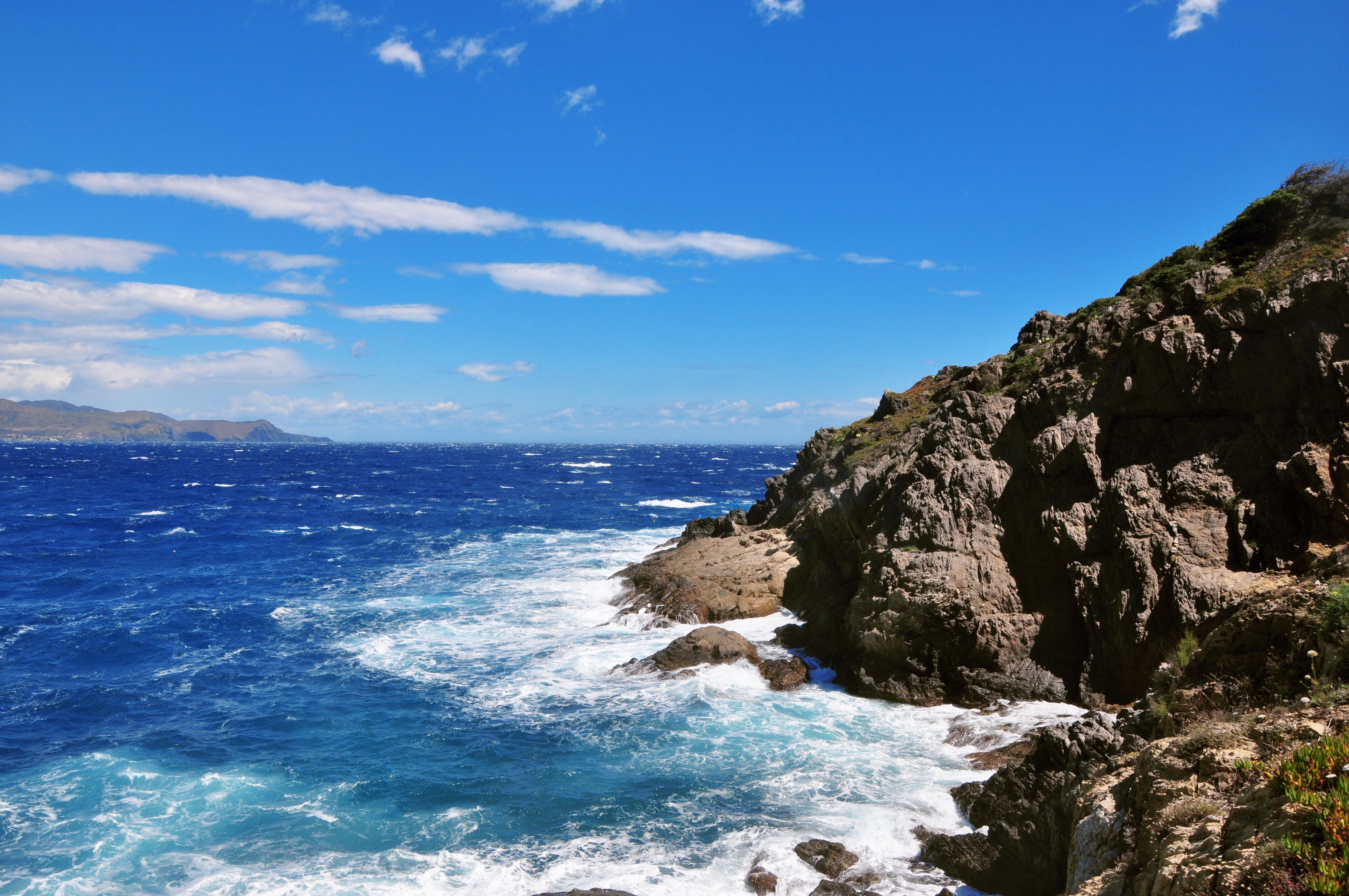 фото горы море