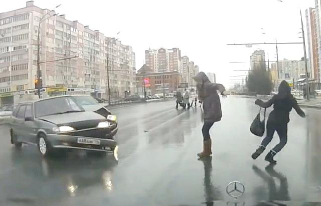 Случайно выжившие пешеходы,подборка счастливчиков