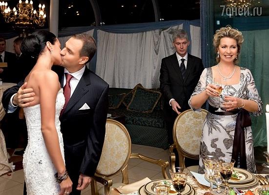 О свадьбе ирины чащиной и евгения архипова дмитрий медведев с супругой светланой узнали одними