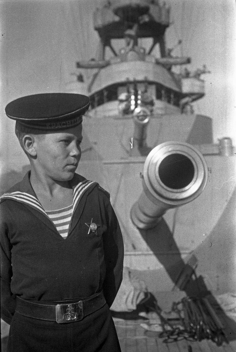 7306_ship_Kr_Kavkaz_180mm_1944.jpg